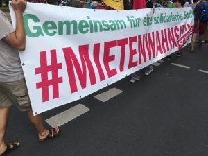 Banner mit Aufdruck Gemeinsan für eine soziale Stadt!